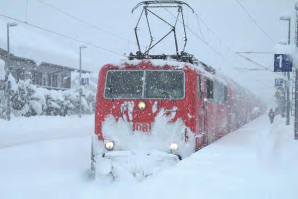 Der Mittagszug RB 59458 Garmisch-Partenkirchen