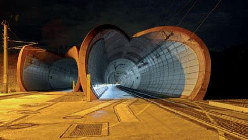 Bild 1: Portal des Wienerwaldtunnels (Foto: ÖBB).
